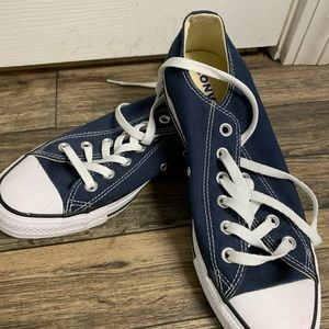 Womens (unisex)  Converse sneakers